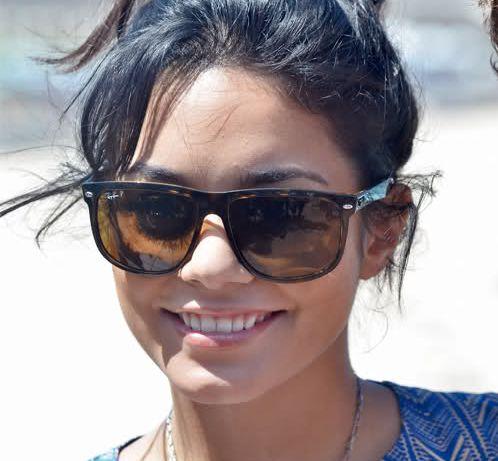 b04c4639cc ... vannessa hudgens in rayban rb4147 highstreet celebrities in sunglasses  pinterest
