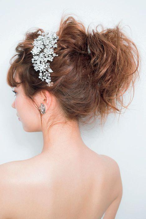 ヘアスタイルの良し悪しで花嫁姿は激変!最旬ドレスに似合うBESTヘアアレンジ6選♡にて紹介している画像