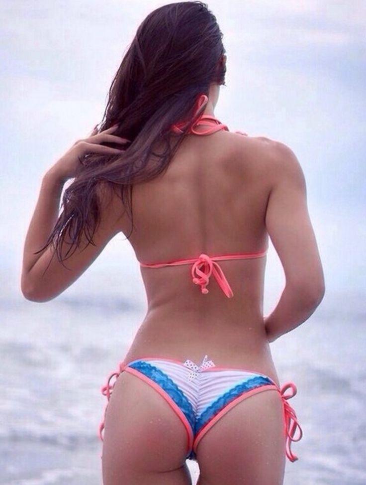 Big Tits Non Nude Cleavage Bikini Pics