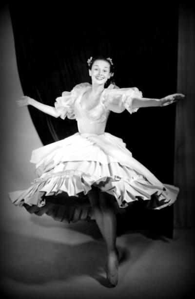 Audrey Hepburn + Ballet =PERFECTION !! ♥ - Audrey Hepburn