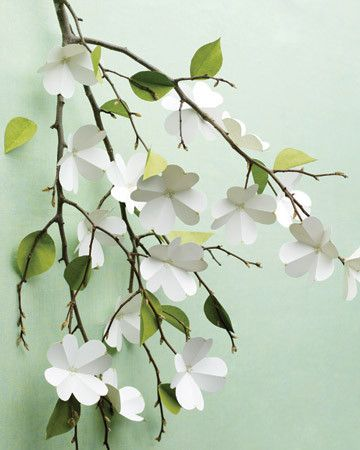 Decorations | cute craft: paper dogwood flowers. pretty decor