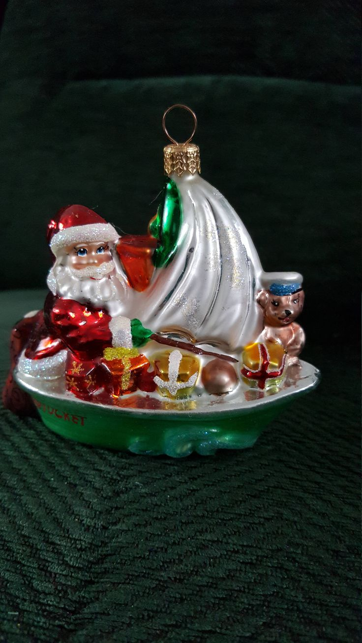 Santa Caus In Sailboat The Nantucket Glass Christmas Ornament 4