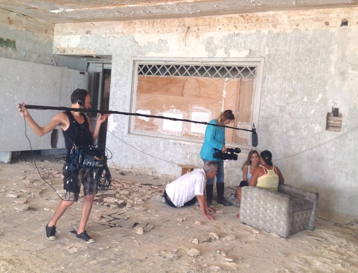 Yolanthe shoots docu in dangerous Brazilian favelas » Yolanthe Cabau
