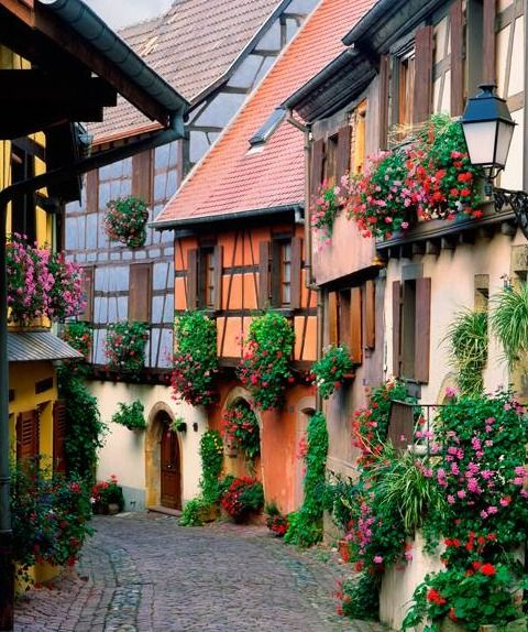 Eguisheim village, Alsace, France - Travel inspiration and places to visit - #travel