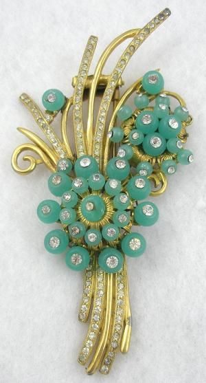 Green Glass 'Shoe Button' Floral Fur Clip - Garden Party Collection Vintage Jewelry