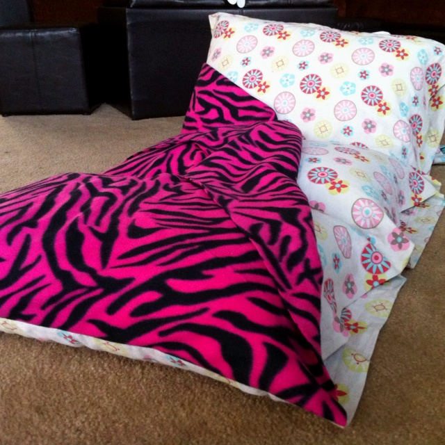 Kids pillow bed with a built in blankie my mom i are for Kids craft bed