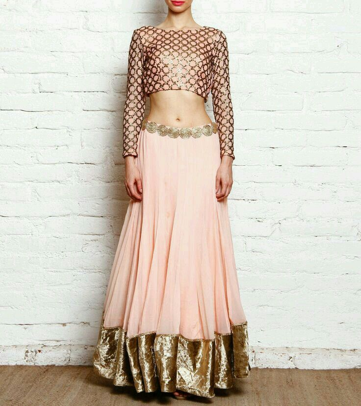 Lehenga choli Indian outfit. Pinterest: @reetk516