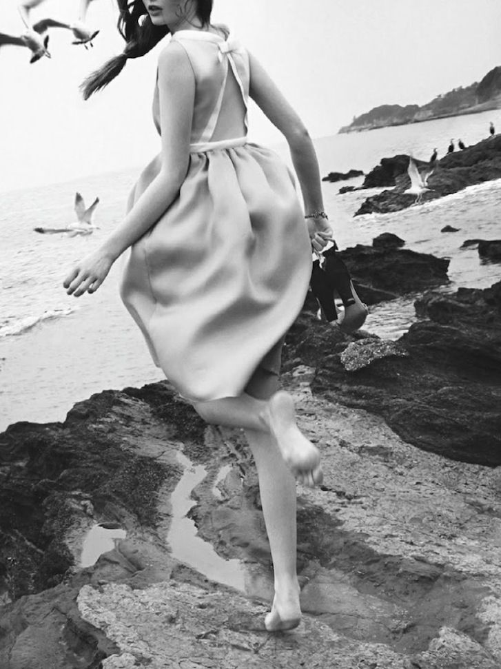 Seaside Elegance - black & white fashion photography