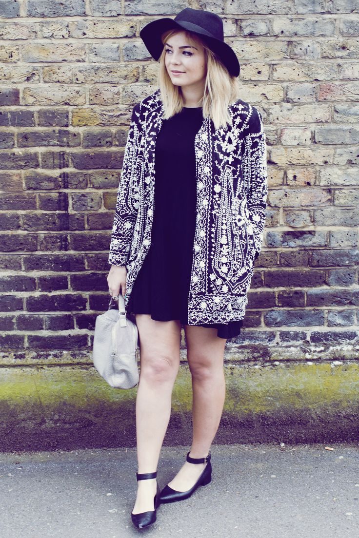 Stunning embroidered duster jacket from Topshop, I love the vintage feel to this.