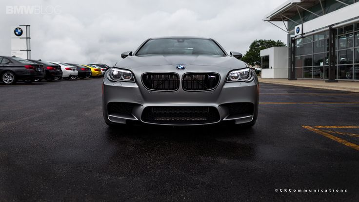 See one of the few BMW M5 30 Jahre Edition in the U.S. - http://www.bmwblog.com/2014/09/11/see-one-bmw-m5-30-jahre-edition-u-s/