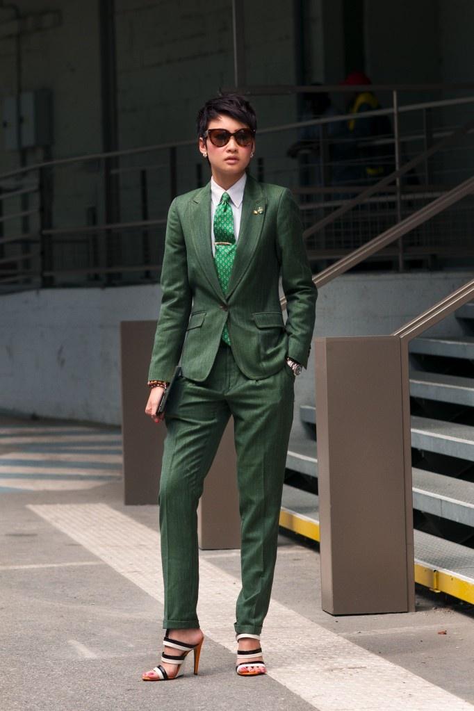 Esther Quek in Green Linen Suit -Bespoke Green Cotton-Linen-Wool  Single-Breasted Two-Piece Women's Suite, tailored by Sze Sze Tailors &  Menswear In ...