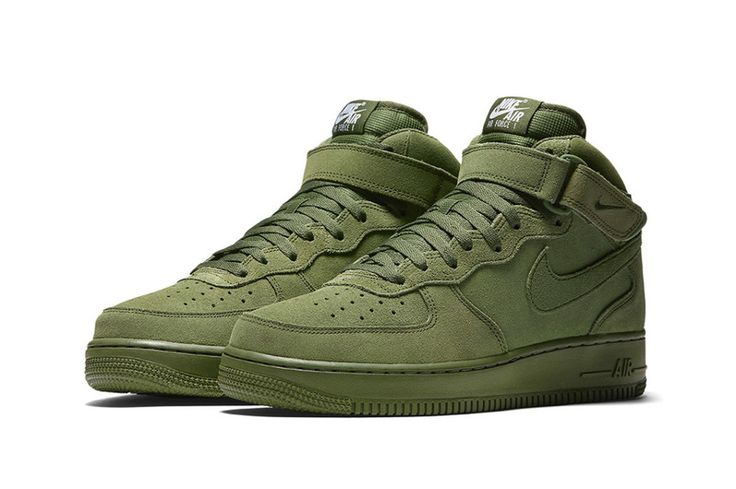 Nike Air Force 1 mid in Olive.