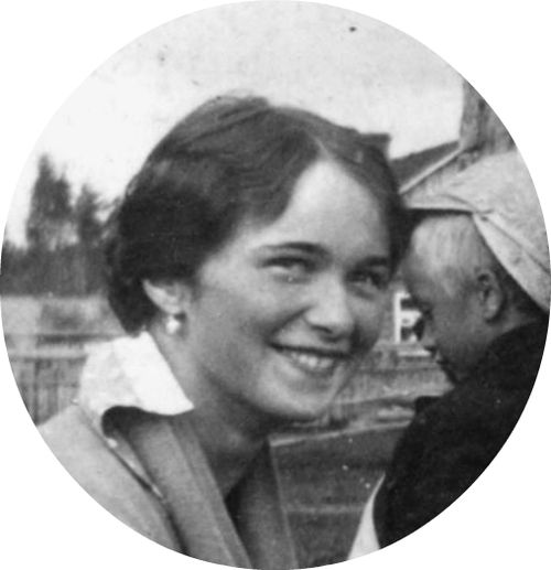 Olga Nikolaevna Smiling! I've always wanted to find a picture of her smiling!