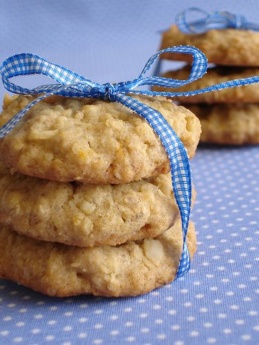 Hawaiian Macadamia Coconut Cookies...something different in the goodie bag!!!!!  Got Milk!! Such a good cookie.