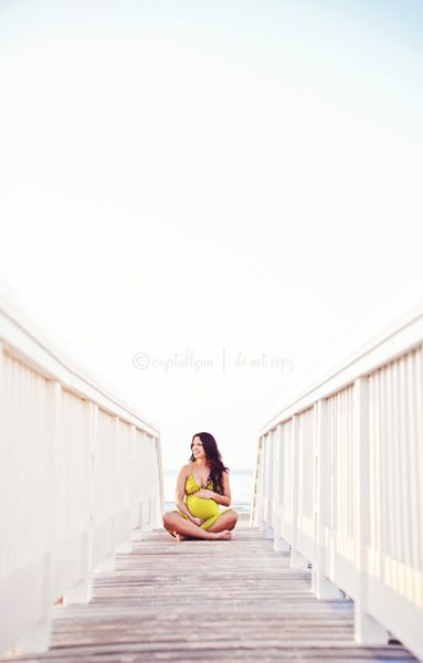 Love this maternity session angle.