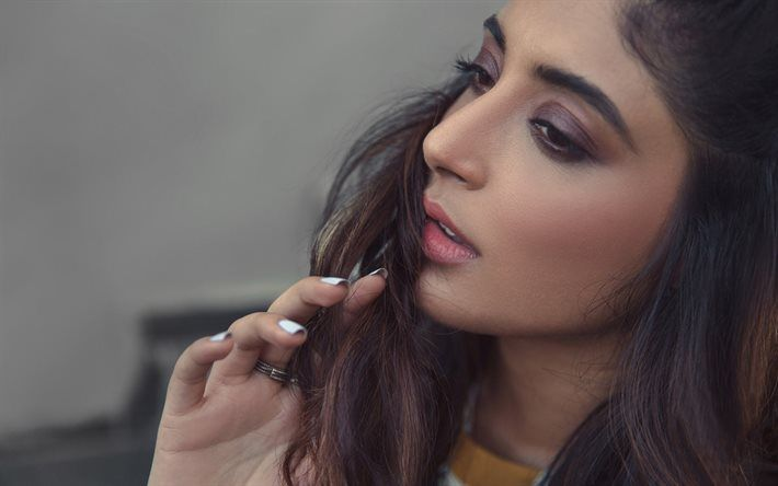 Kritika Kamra, portrait, Indian actress, makeup, brunette, beautiful woman, bollywood