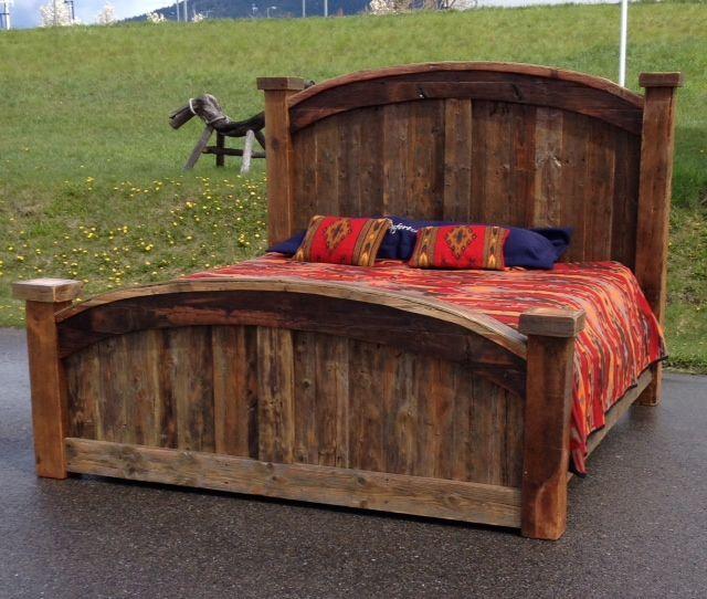 Best 25 barn wood headboard ideas on pinterest diy for Diy rustic bedroom set