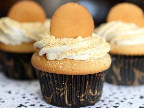 Banana-Cream-Pie Cupcakes: Cakes Mixed, Bananas Puddings, Banana Cream Pies, Pies Cupcakes, Bananas Cream Pi Cupcakes, Bananacreampi Cupcakes, Tasti Recipes, Cupcakes Recipes, Bananas Cream Pies