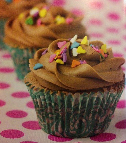 Cupcakes rellenos con pasta de Avellanas