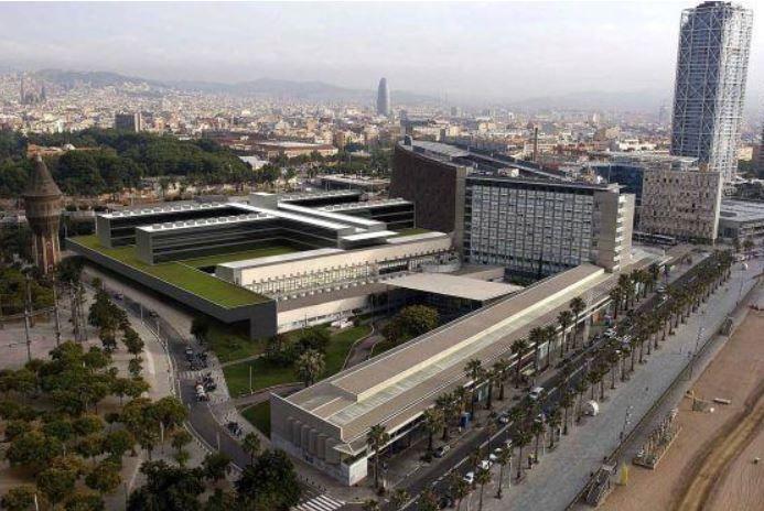 Ampliació de l'Hospital del Mar. Arquitectes: Manuel Brullet i Albert de Pineda