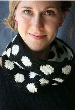 Dots Cowl. fun double knitting project. try it with colored dots.