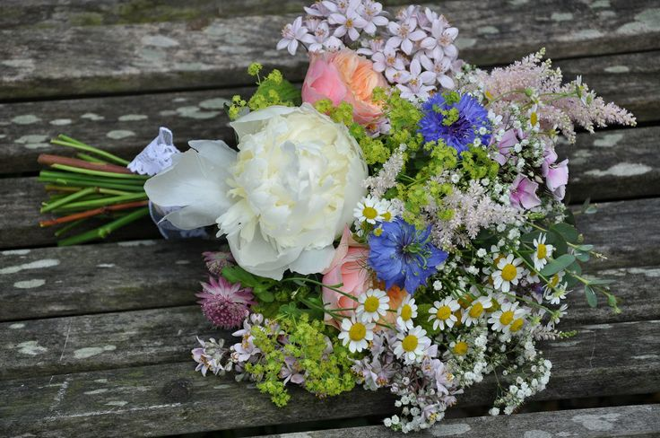 Gallery: Country Garden | Helen Jane Floristry - choose a mix of summer flowers in pretty colours for a freshly picked look