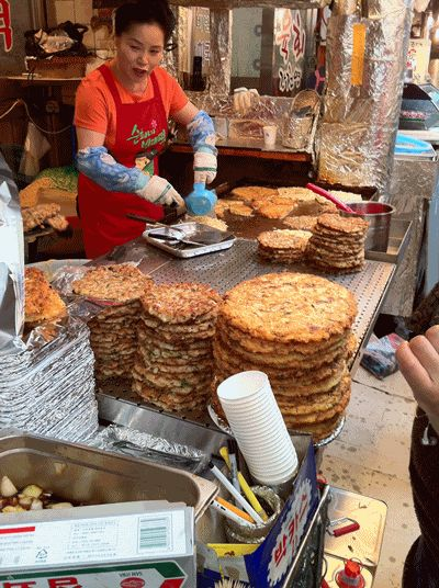 Bangsan & Gwangjang Market (eats & shopping) Korean pancake, jeon