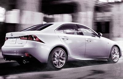 La tercera generación del Lexus IS, una berlina de tamaño medio, llegará a España en junio de 2013. Unos meses antes ya se podrán hacer pedidos. Reemplazará al modelo que se comercializa desde 2011