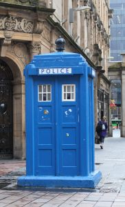 police box, Doctor Who, Glasgow, Ecosse