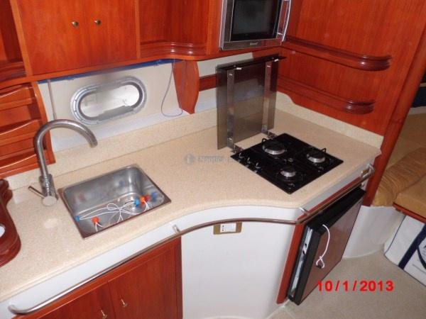 Cucina del Saver 330 Sport  #barcamotore #yacht # yachting #natante    Saver 330 Sport - natante   Anno costruzione: 2007   Anno immatricolazione: 2008  Motori 2xMCM 5.0 L benzina    www.nauticaeasy.com for more information / per maggiori informazioni