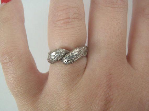 anello in argento 800 vintage anni 90 natale due elementi intrecciati lavorato inciso regalo donna elegante unico lasoffittadiste