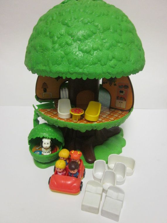 Remember the Family Treehouse? Circa 1975, it even had an elevator, and a doghouse for Barkley.
