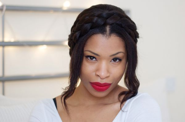 A sweet milkmaid braid tutorial for short-haired brides