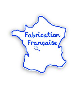 """Sauthon conçoit et développe l'ensemble de ses collections meubles et textiles au sein de l'entreprise, en France. Ce véritable savoir-faire d'ensemblier décorateur de la chambre d'enfant est unique sur le marché ! A l'exception de quelques rares références, les meubles sont """"fabriqués en France"""". Ils sont clairement identifiés par notre logo """"Fabrication Française"""". Nos thèmes textiles et décos sont eux fabriquées à l'étranger, selon des critères rigoureux."""