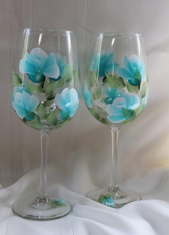 Set de 2 copas de vino Teal rosas pintadas por SilkEleganceFlorals                                                                                                                                                     Más