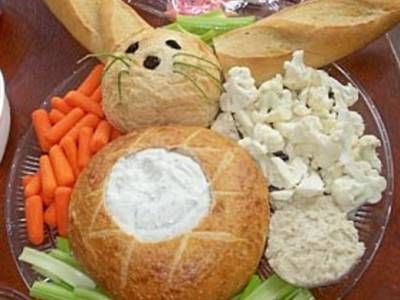Easter Bunny Veggie Tray How-To ~ A cute way to serve veggies and dip at an Easter gathering!