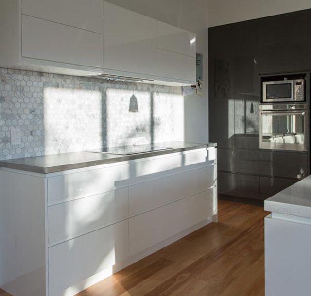 Wadestown kitchen by Mackit