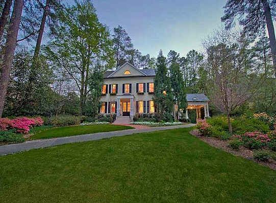 Novelist (Something Borrowed) Emily Giffin's Atlanta, GA Home - looks like a dream home!