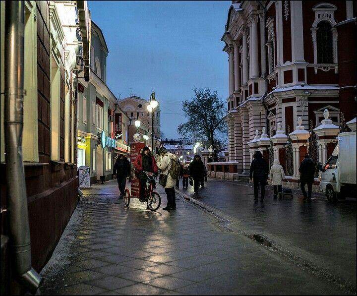 www.dmitryryzhkov.com #photography #street #streetphotography #candidphotography #candid #nightphotography