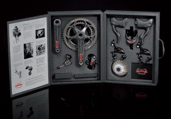 カンパニョーロの80周年記念ロードバイク用コンポーネント
