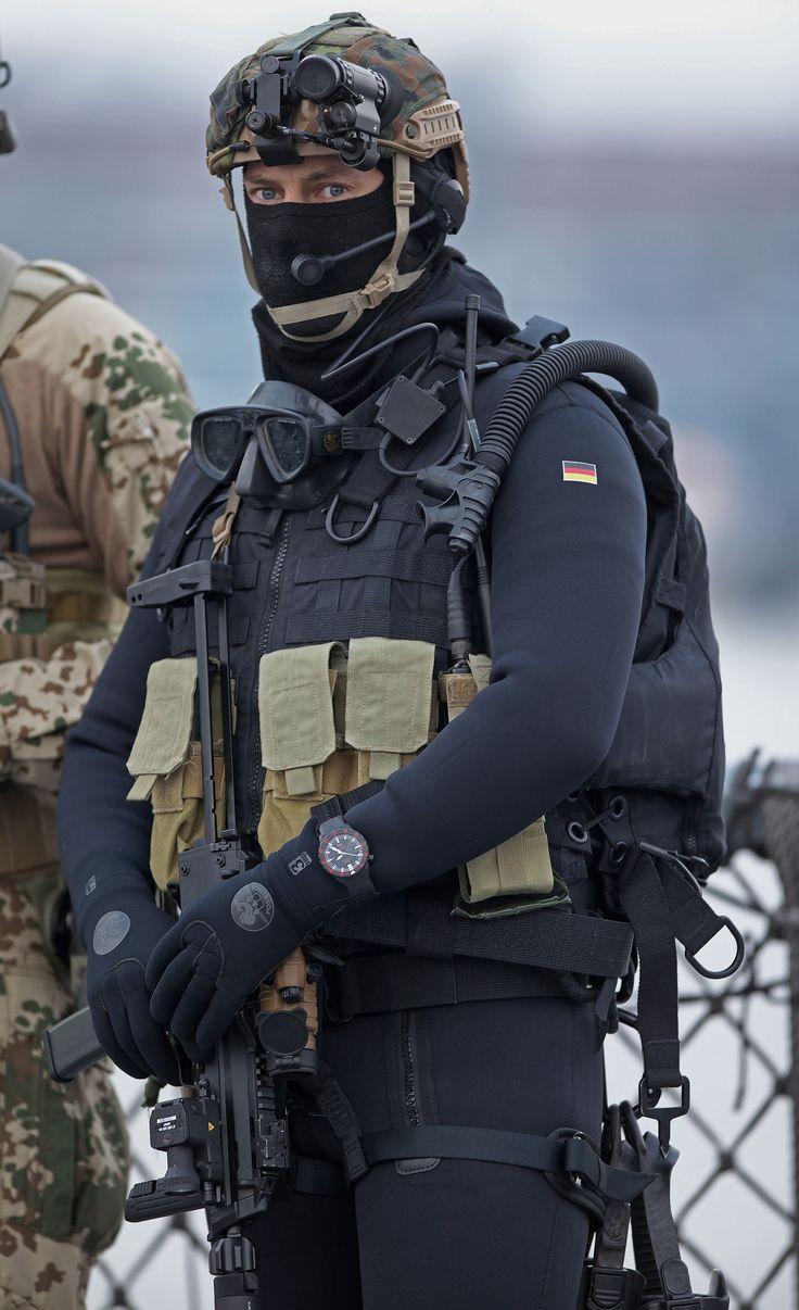 SJX: Sinn UX S Diver is Now Official Wristwatch of German Navy Commando Frogmen