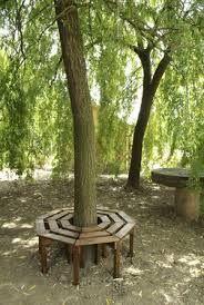 Resultado de imagem para ideas para hacer mesa alrededor de un arbol en el jardin