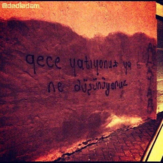 #Gece yatıyonuz ya, ne düşüyonuz. #Mesela ben, #yaşadım #yeni #zaman içinde, bol #yıldızlı gecelerde sevdalandım. #Bahar derdinden #başka, #ekmek, karnesiz, parasız, portakalsız kaldım. Hatta #ikinci cihan harbinden beri, bir de yalnızlık derdim var #dediadam... - #şiirsokakta #kitap #oku #şiirheryerde #yazar #şiirsokakta_ #şiir #kitaplar #takip #yalnızlık #aşk #sinema #twitter #followme #film #roman #hayat #edebiyat #fotoğraf www.dediadam.com