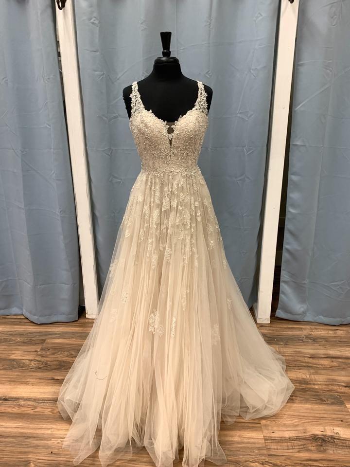 Stella York Ivory Tool 6291 Modern Wedding Dress Size 8 M In 2020 Sparkle Wedding Dress Modern Wedding Dress Wedding Dresses