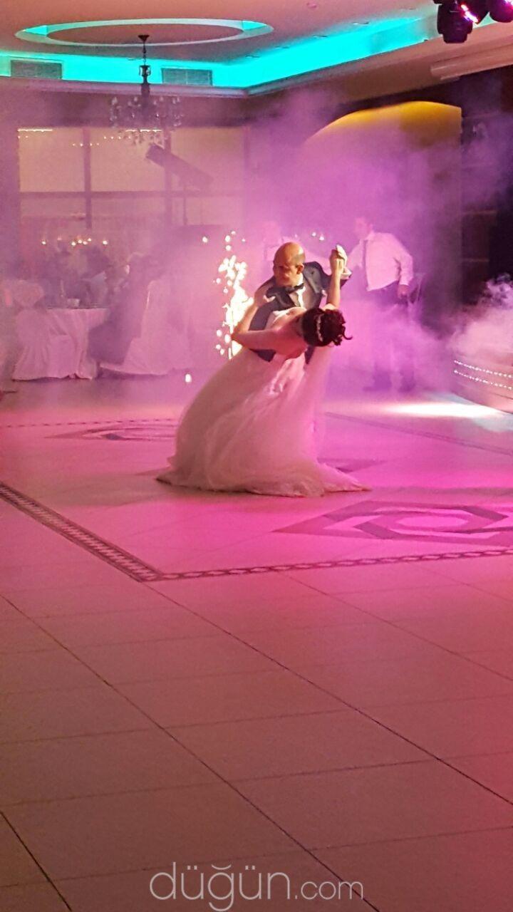 Mejores 8 imágenes de Wedding DJ Hire en Pinterest   Dj de boda ...