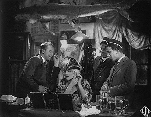 Marlene Dietrich and Roland Varno in Der blaue Engel (1930)