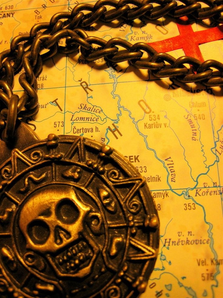 Pirate Medallion by ~Katka-Horova on deviantART