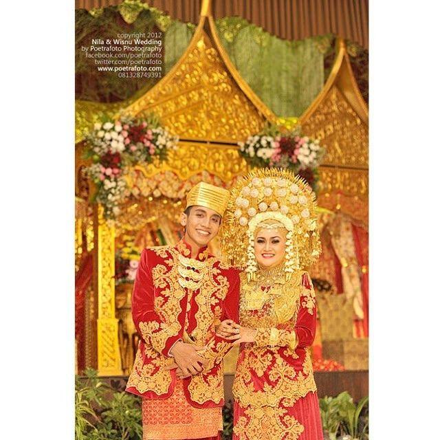 #minang #padang #minangkabau Nila+Wisnu #minang wedding #indonesiawedding https://www.facebook.com/poetrafoto/info