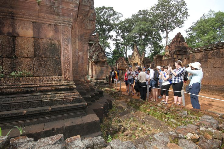 Taking a closer look at the Seat of the Khmer Empire. #VietnamSchoolTours #Cambodia #SiemReap