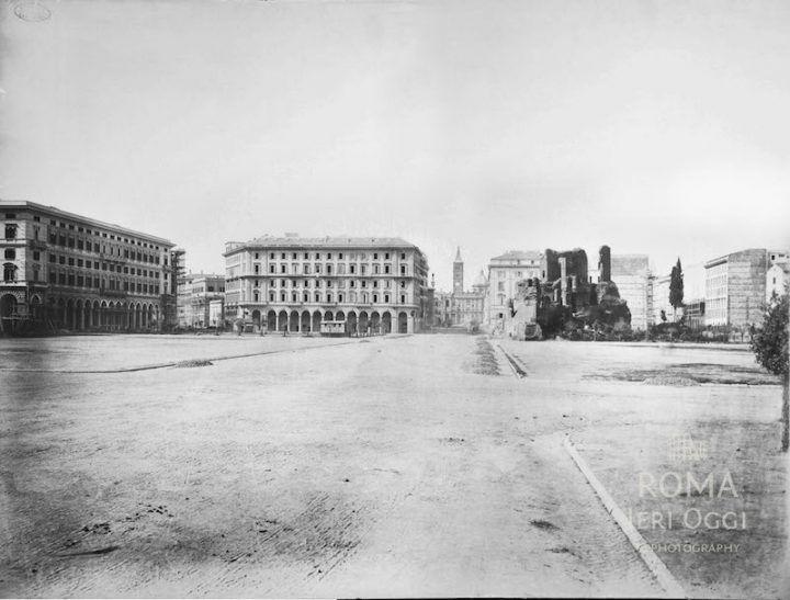 Piazza Vittorio Emanuele II (1875 ca)
